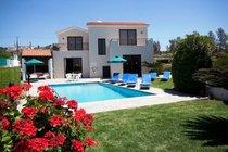 Villa Einalia is a 3 Bedroom detached holiday villa located at Kissonerga Paphos.